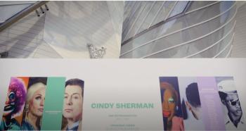 """Film de l'exposition """"Cindy Sherman à la Fondation"""""""